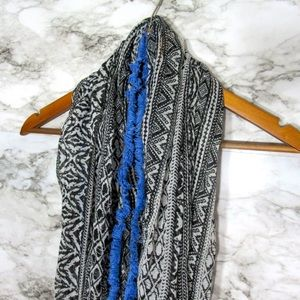 Free With Purchase •AEO Infinity Scarf